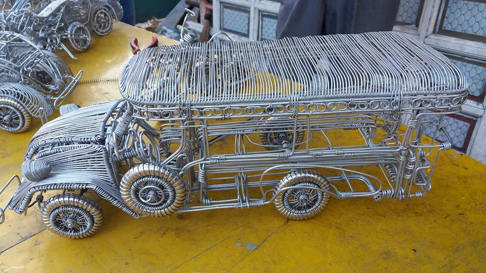 52-Year-Old Filipino Sets The Social Media Abuzz By His Incredible Creations Made From Aluminum Wires image 4