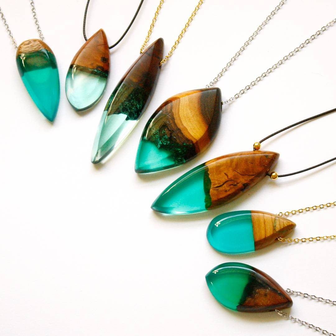 Exquisite Jewelry Made From Sand And Resin Sells Like Hot Cakes 9